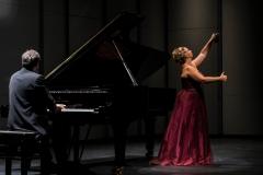 Concierto para la Embajada de España en Uruguay en el Teatro Solís Dúo de Castañuelas y Piano - Octubre 2016 Mar Bezana Castañuelas